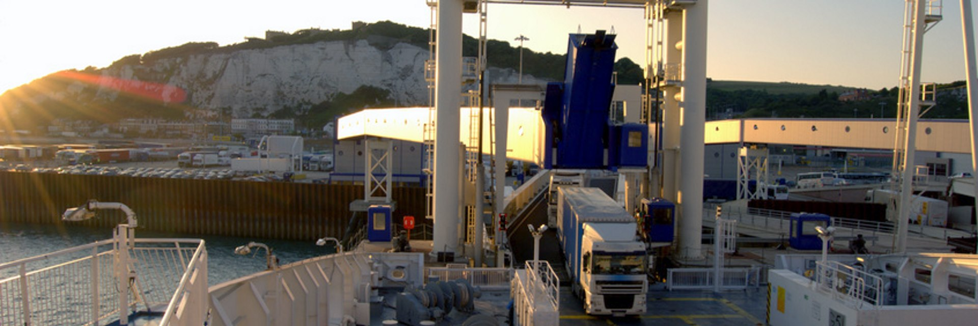 European Pallet Services - Port of Dover Trailer Loading