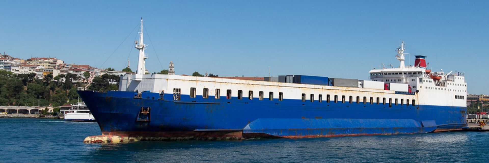 Offshore logistics service guernsey Jersey - container ship image.jpg