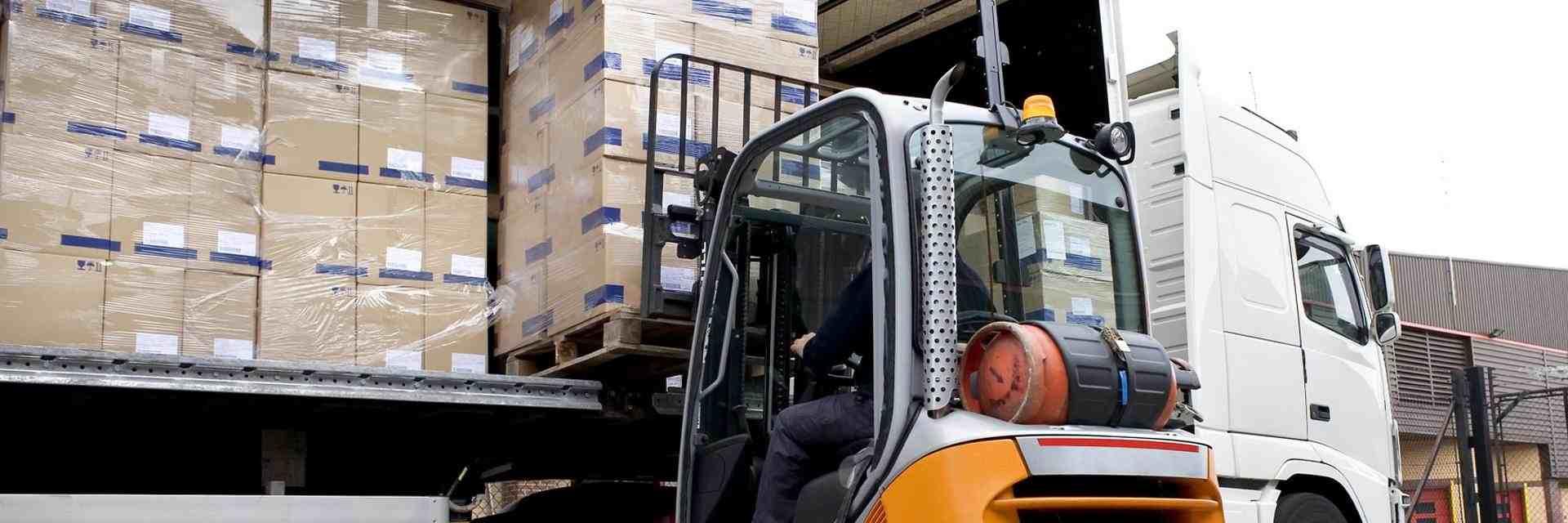 Pallet Delivery Service in Lichfield - Palet Distribution